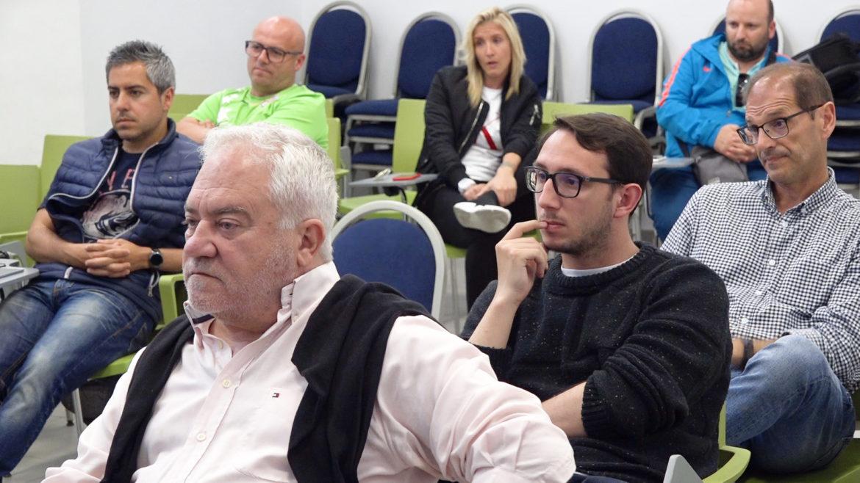 Reunión de 16 abr - Reunión de clubes femeninos en Alicante con la Federación FFCV femeninos en Alicante con la Federación FFCV