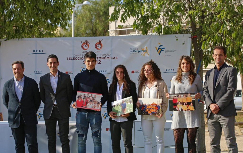 Carlos González, Carlos Soler, Fernando Giner, Aixa Salvador, Ruth García, Alejandra Serrano, Salva Gomar en sorteo sub12 RFEF