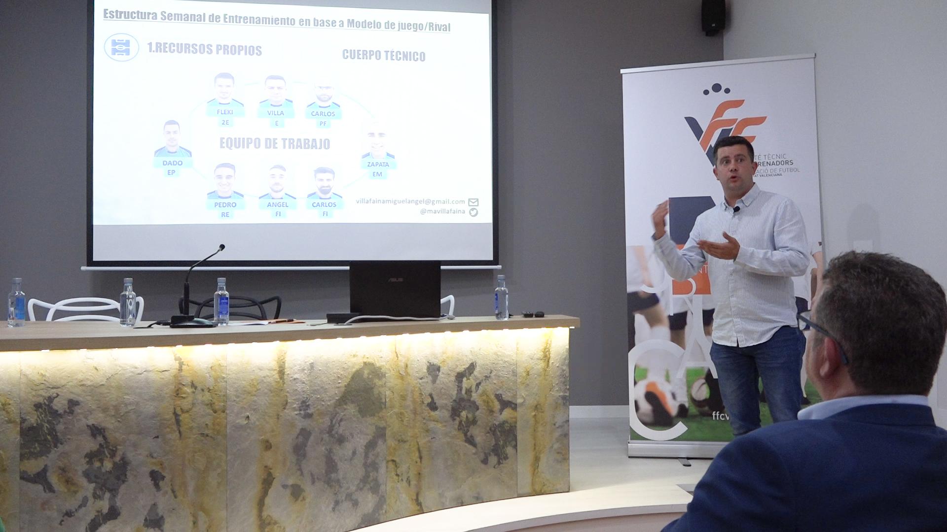 Miguel Ángel Villafaina, en la ponencia del Comité Técnico de Entrenadores de la FFCV