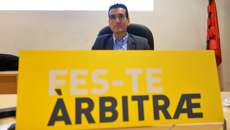 20 junio - Martínez Munuera promociona 'Fes-te Àrbitræ'