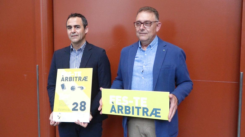 27 junio - Carlos Velasco Carballo y Pepe Enguix campaña Feste árbitre