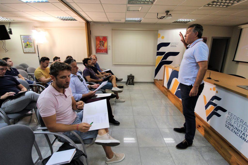 22 agosto - Vicente Lizondo en charla formativa a periodistas