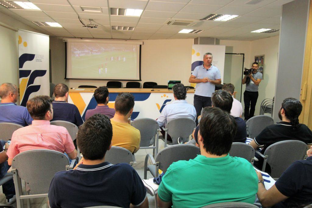 22 agosto- Lizondo en charla con periodistas