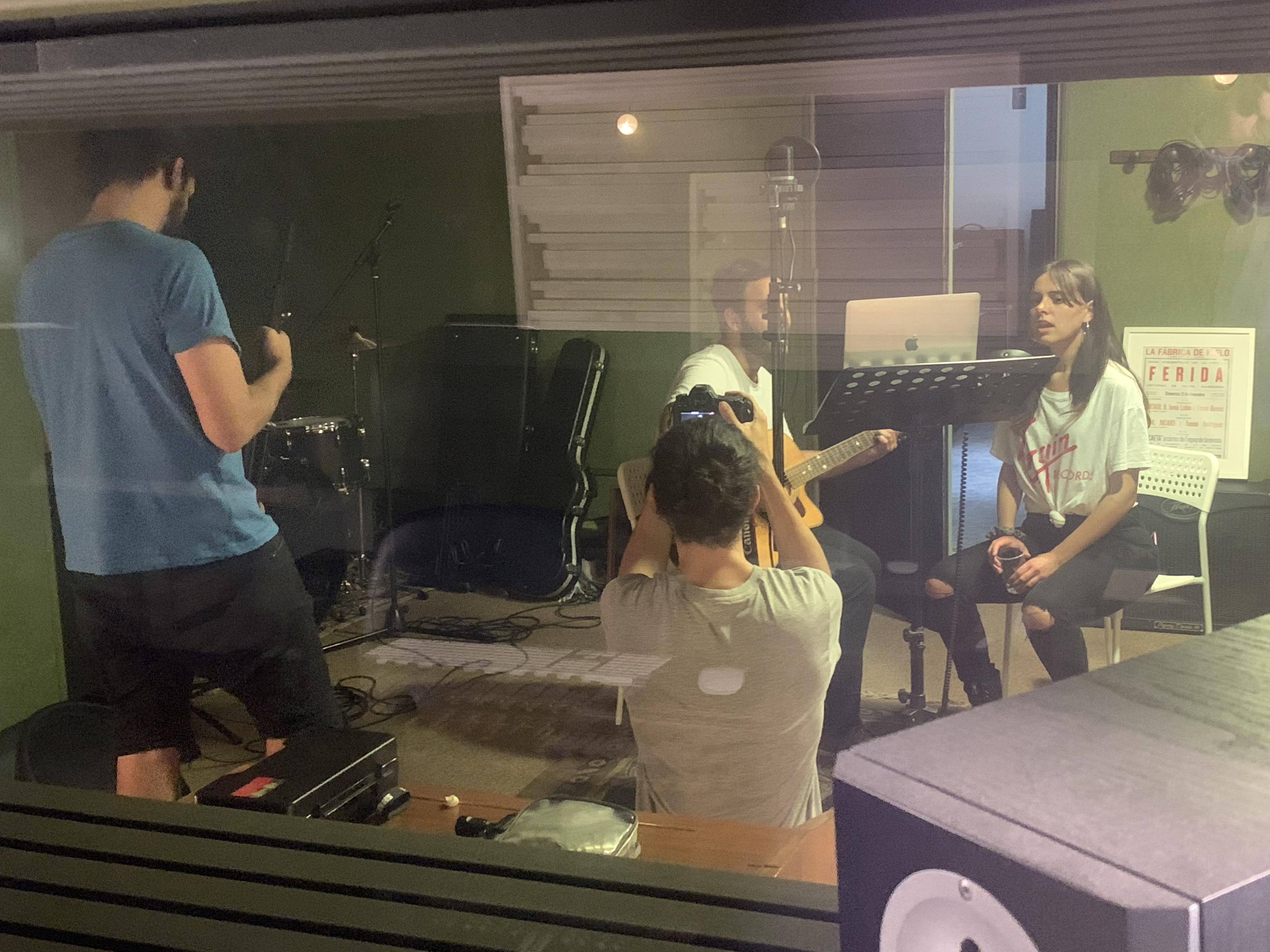 grabación canción Valenta con Tardor y Esther Querol