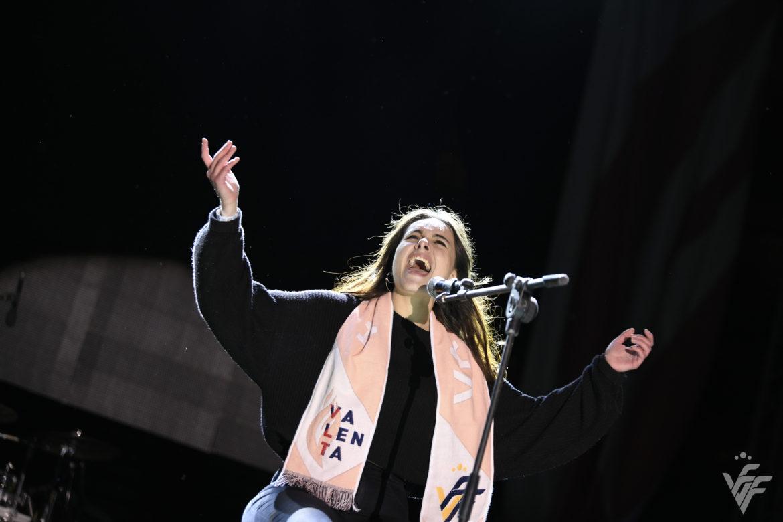 8 nov-Esther Querol canta Valenta en la Festa #SocValenta