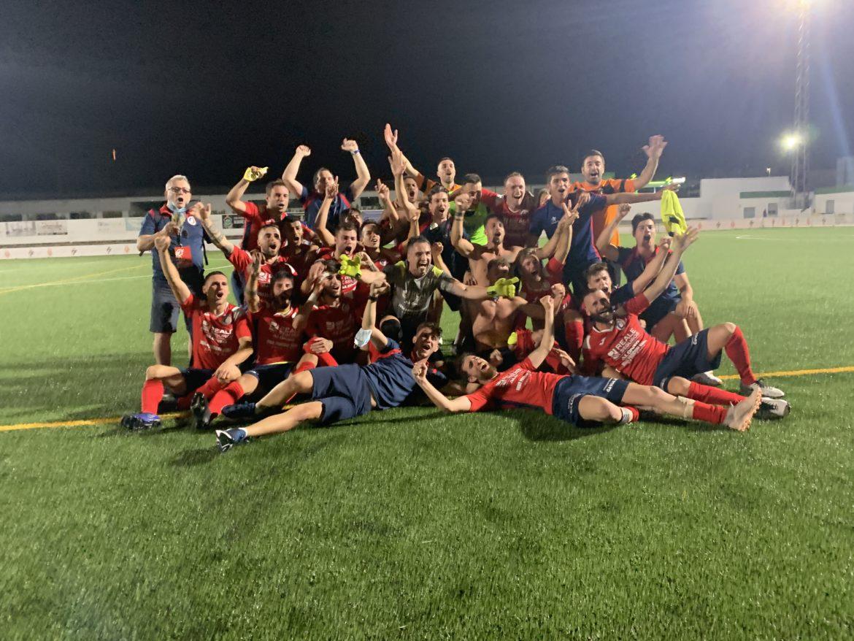 22 jul- El CD Benicarló celebra el ascenso a Tercera en Alberic