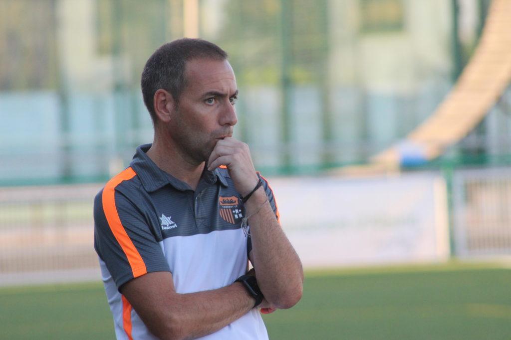 23 jul- Santiago Marín, entrenador del Torrent CF en Alberic