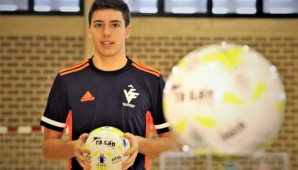 Joan Miguel, jugador de la Selecció sub19 de futsal